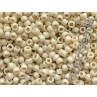 8/0 Toho Opaque Light Beige 08-51 (10g)